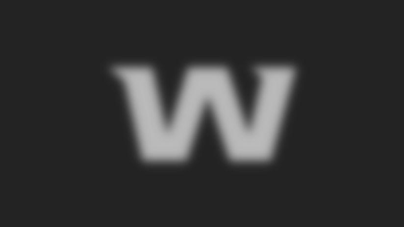 W_Gold_on_Burgundy_2560x1440_v2