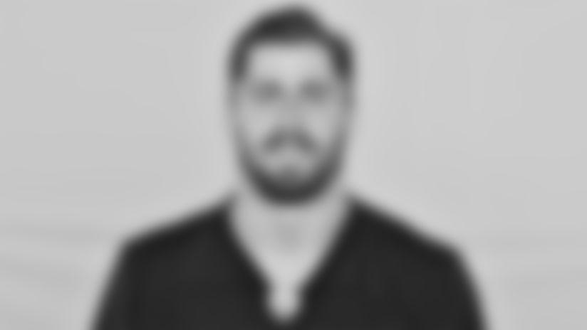 Headshot-Vannett-2560x1440-032921