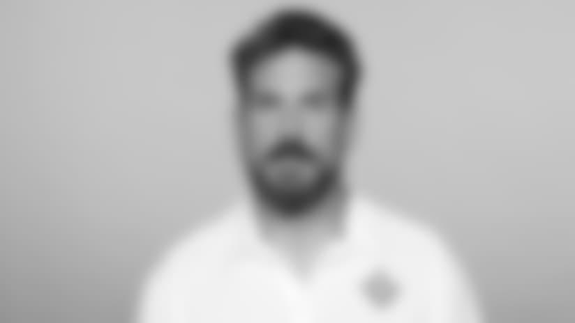 Headshot_Coaches-Nielsen_2560x1440_040418