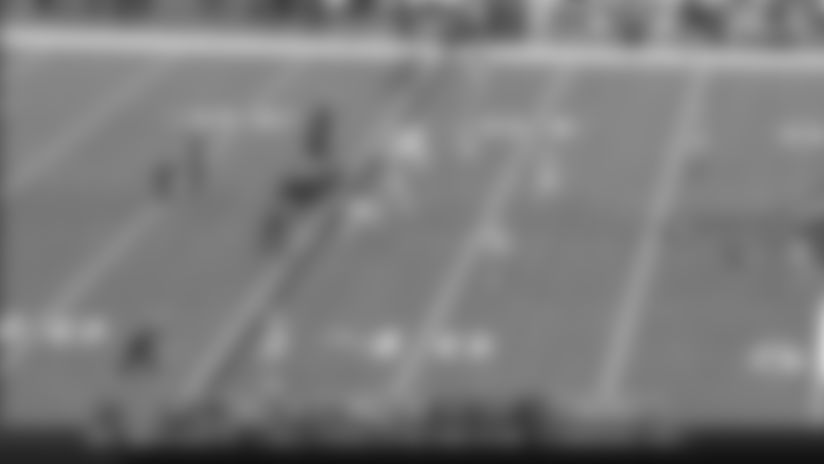 Michael Thomas' 24-yard catch down sideline puts Saints in field goal range