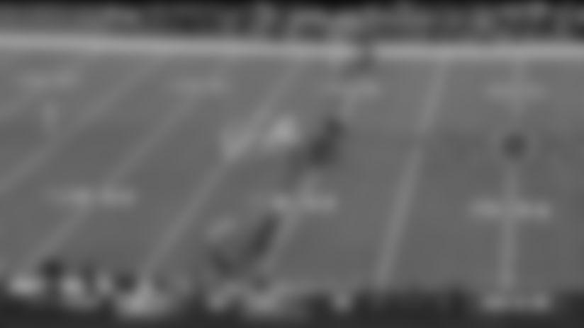 Dwayne Washington bull rushes off edge to block Colts punt