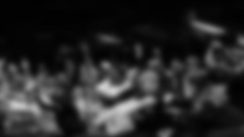 Gallery_WK14-NOSSF-Fans-0002