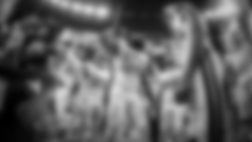 Demario Davis Pregame Huddle: Saints vs Cowboys