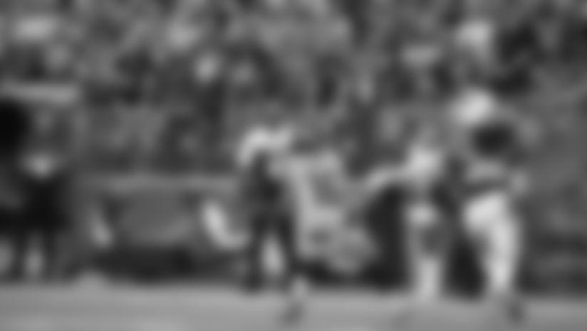 2019 Week 4: Russell Wilson Drops In 28-Yard Throw To Tyler Lockett