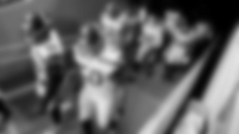 Pregame photos of the Seahawks warming up to take on the Arizona Cardinals at State Farm Stadium.
