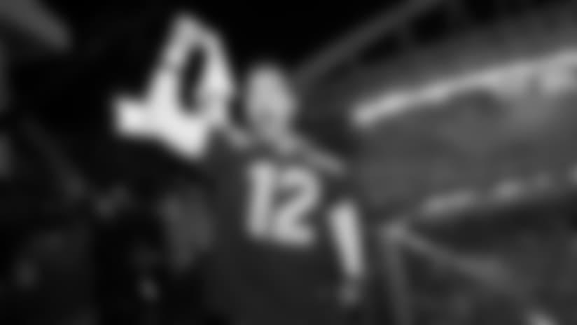 Chris Pratt Raises The 12 Flag