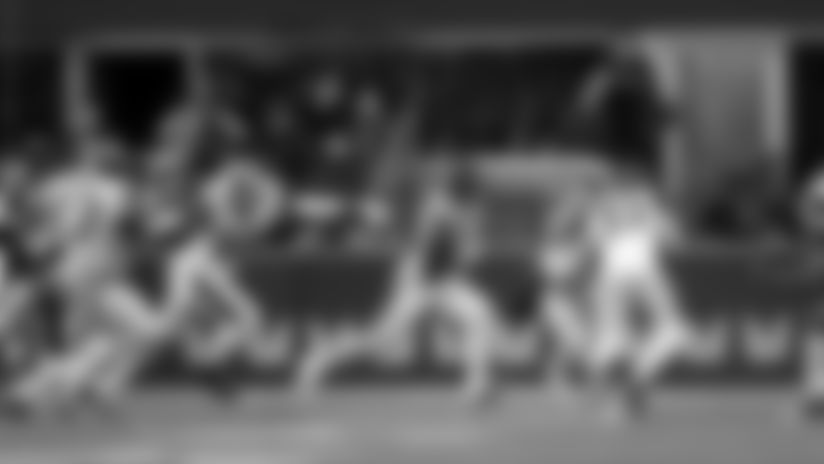 2019 Week 5: Rashaad Penny Rams Defense For Third-Down Pickup