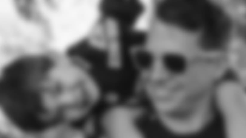 10_sunglasses.jpg