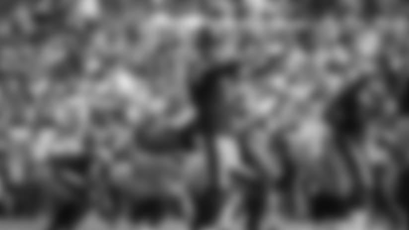 HIGHLIGHT: Roethlisberger completes unusual shovel pass