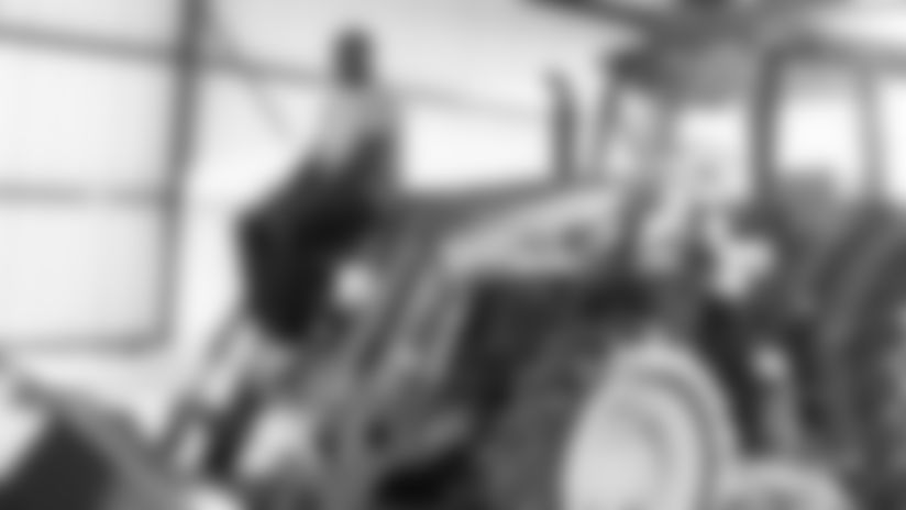 TV_Story_Washington_James_Tractor_001