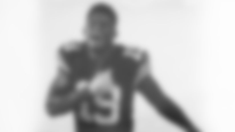 PHOTOS: Steelers unveil Throwback Jersey