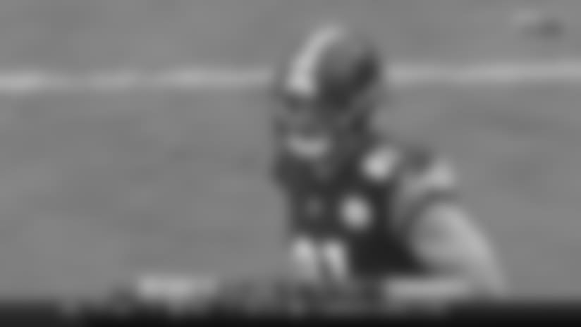 HIGHLIGHT: Roethlisberger scrambles to find James