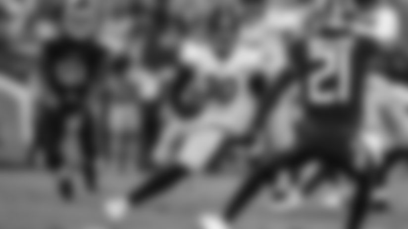 HIGHLIGHT: Conner jukes Jackson for 21-yard gain
