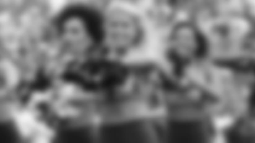 Titans Cheerleader Spotlight: Kelsey