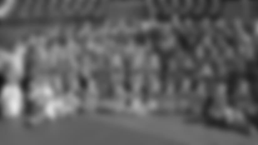 15junior-cheer-mascot600.jpg