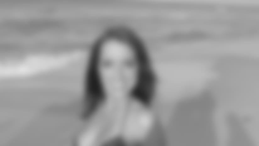 Lindsey-R-swim2..jpg