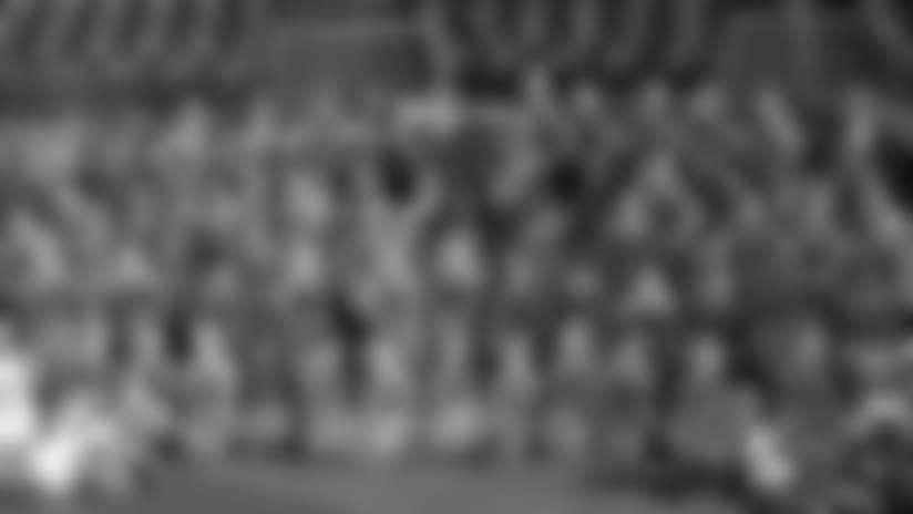 Junior Titans Cheerleaders, T-Racs Perform at Nissan Stadium