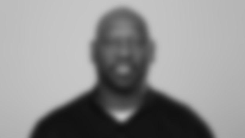 Johnson_Taver_headshot-062419