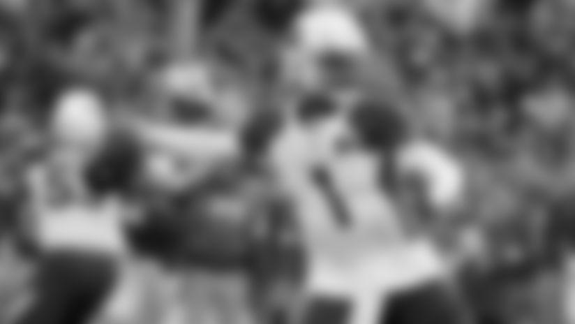 Cardinals quarterback Kyler Murray passes against the Rams during second half.