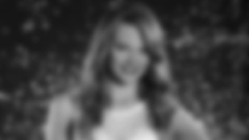 2017 Cheerleader Bio - Kristi