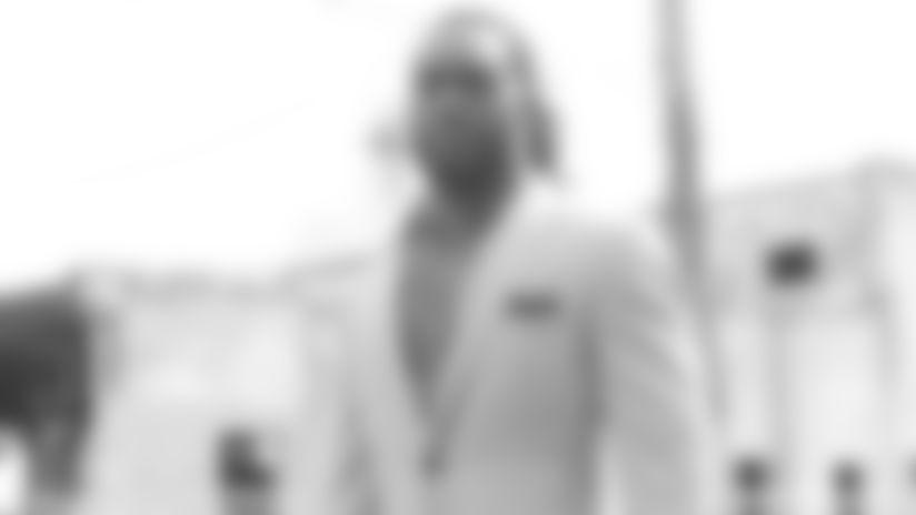 draft-picks-suits-3-092619