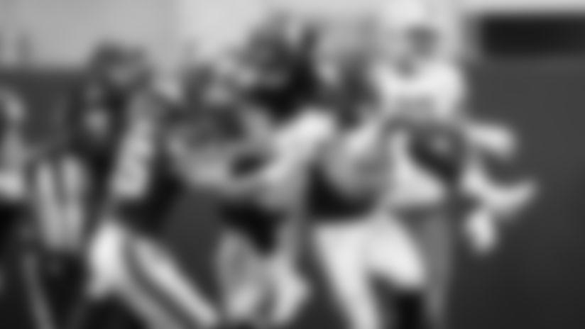 linebackers-2560