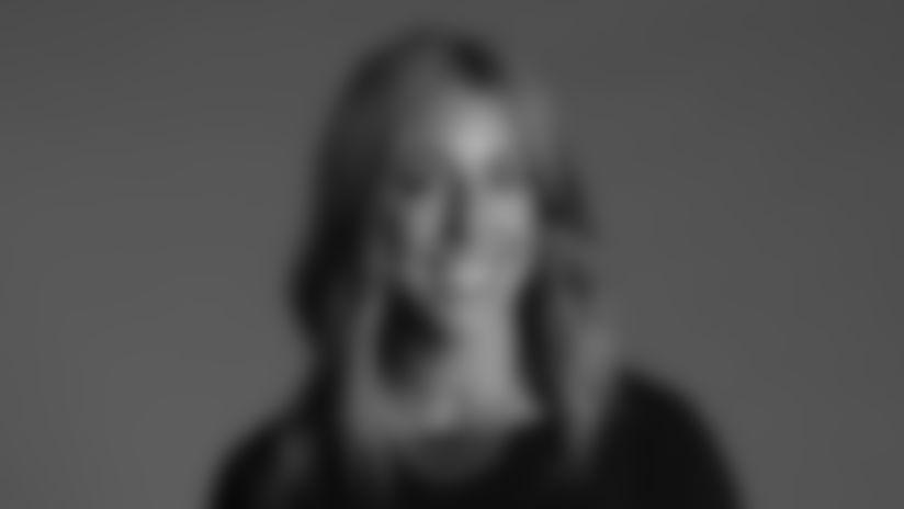 elizabeth-headshot