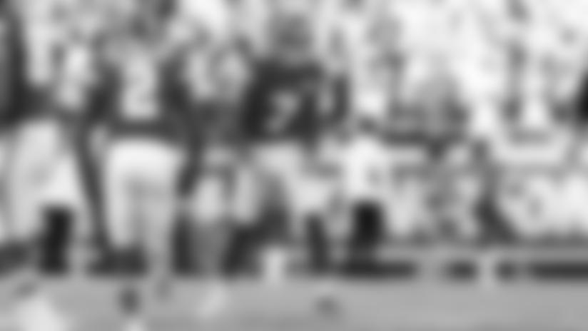 Harrison Butker Drives Through 44-yard Field Goal to Give Chiefs Walk-Off win