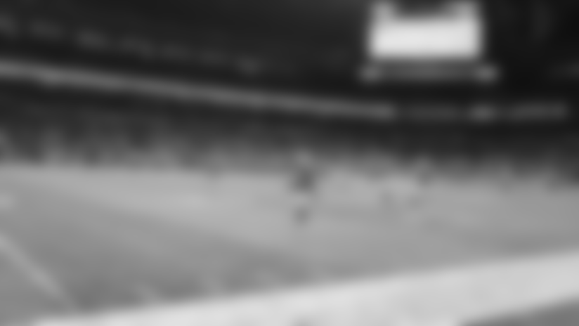 HIGHLIGHT | Pick-two alert! Okereke runs back INT on Jaguars' two-point try