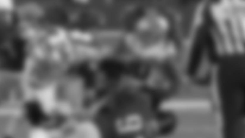 Highlight: Eagles' D make key recovery on Pollard fumble