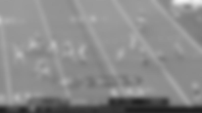 Highlight: Alshon Jeffery finds the soft spot of Fins' zone for 10-yard TD