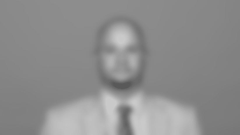 derek-stamnos-headshot