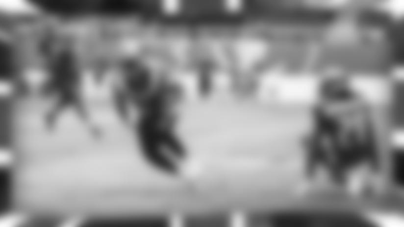 HIGHLIGHT: Christian McCaffrey makes Bucs look silly on wicked 25-yard TD