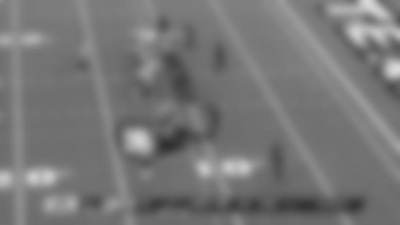 Tom Brady avoids pressure, zips touchdown pass between two defenders