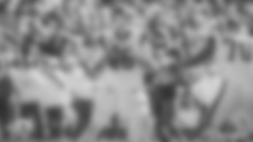 Goff lanza para 517 yardas, pero entrega cuatro balones muy costosos