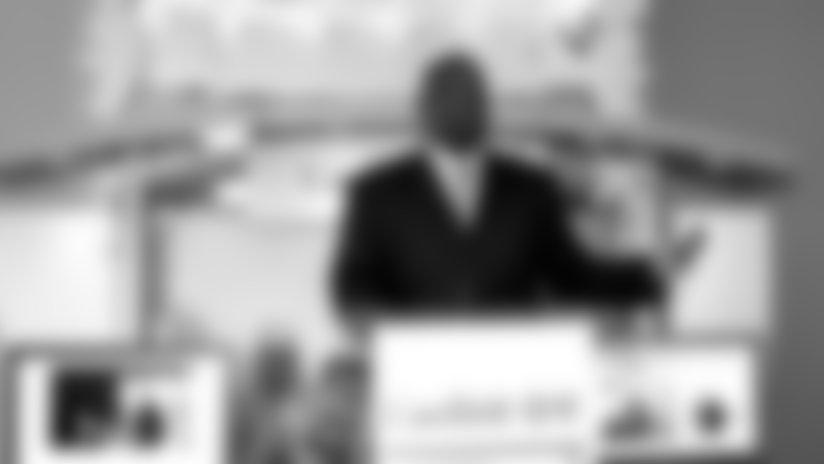 Doug-Williams_speaking-2.png