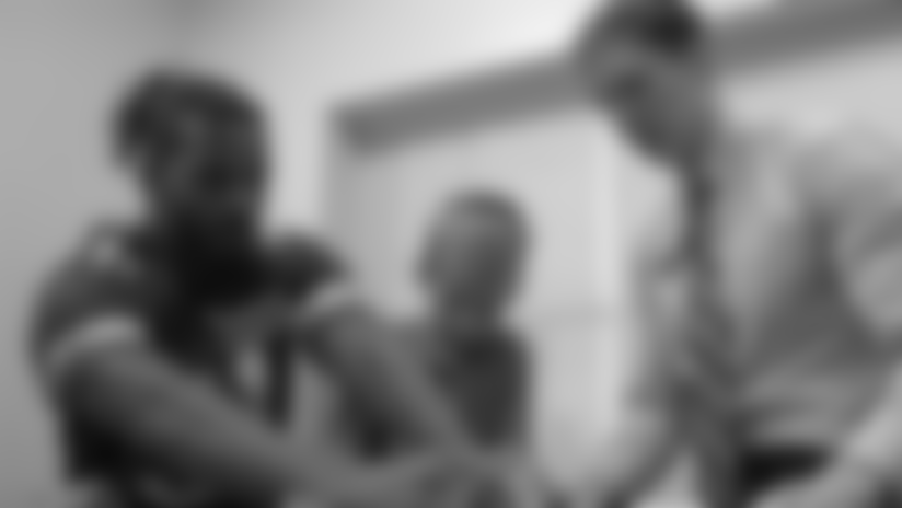 Vikings Huddle: Junior Chef James With Ameer Abdullah