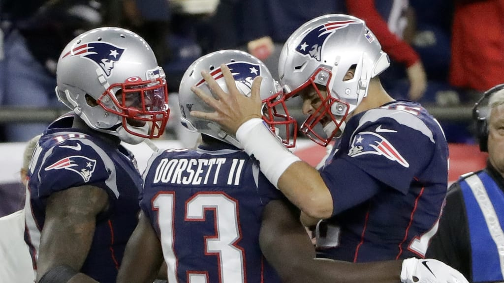 Game Notes: Patriots win 14th straight regular season game
