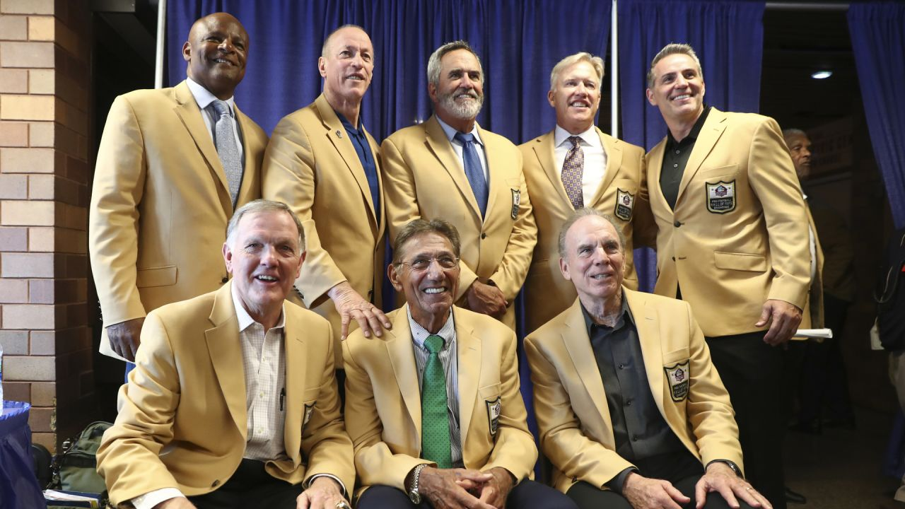pretty nice e87cb 61da0 At jacket ceremony, Pat Bowlen remembered as 'the real deal'