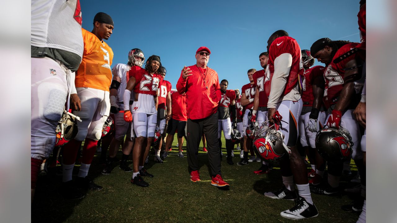 99950123 A Conversation with Peter King at Bucs Training Camp