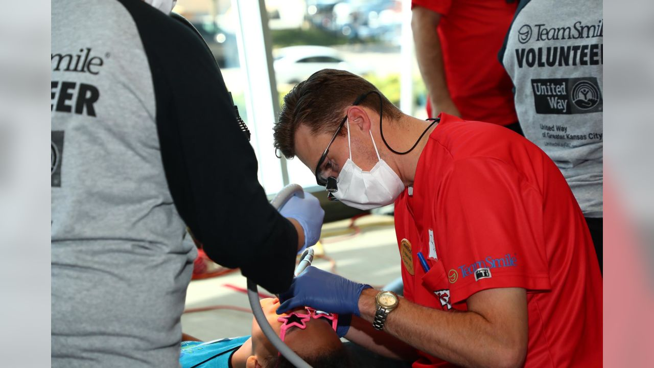 """Dustin Colquitt's """"TeamSmile"""" Provides Free Dental Care to Local"""
