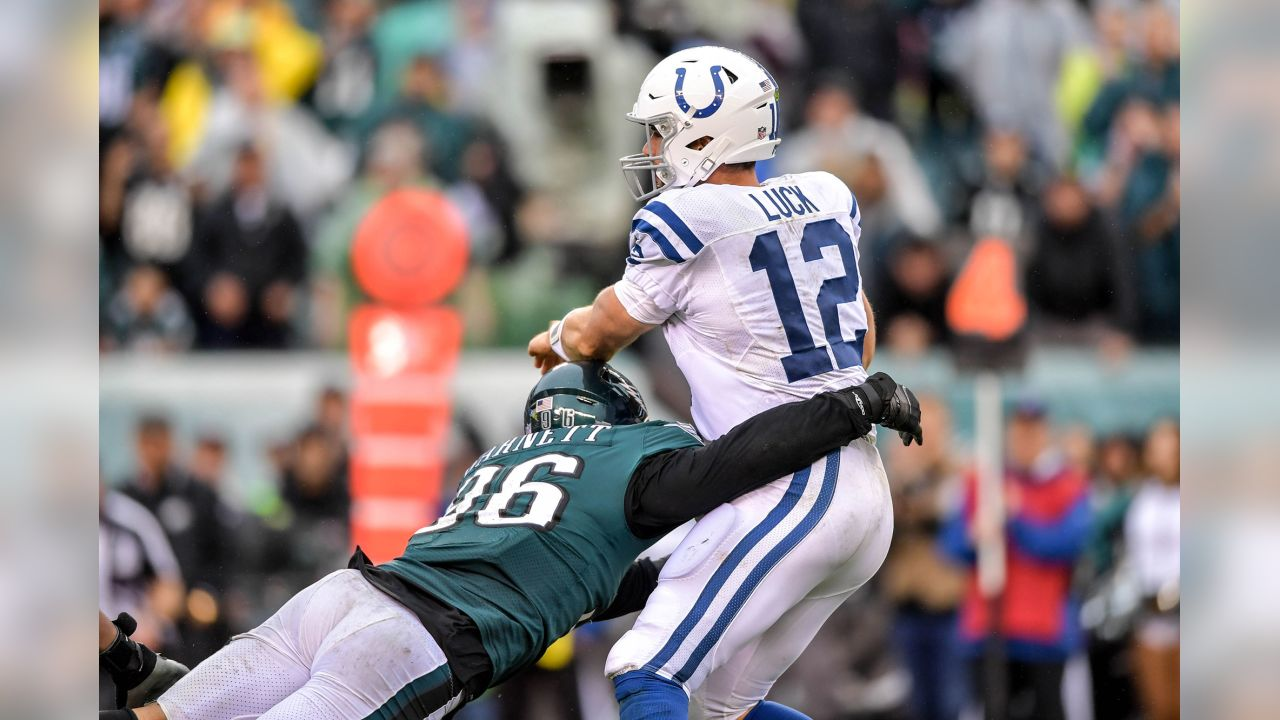 5df53560 Defense Returns To Form In Eagles' Victory Over Colts