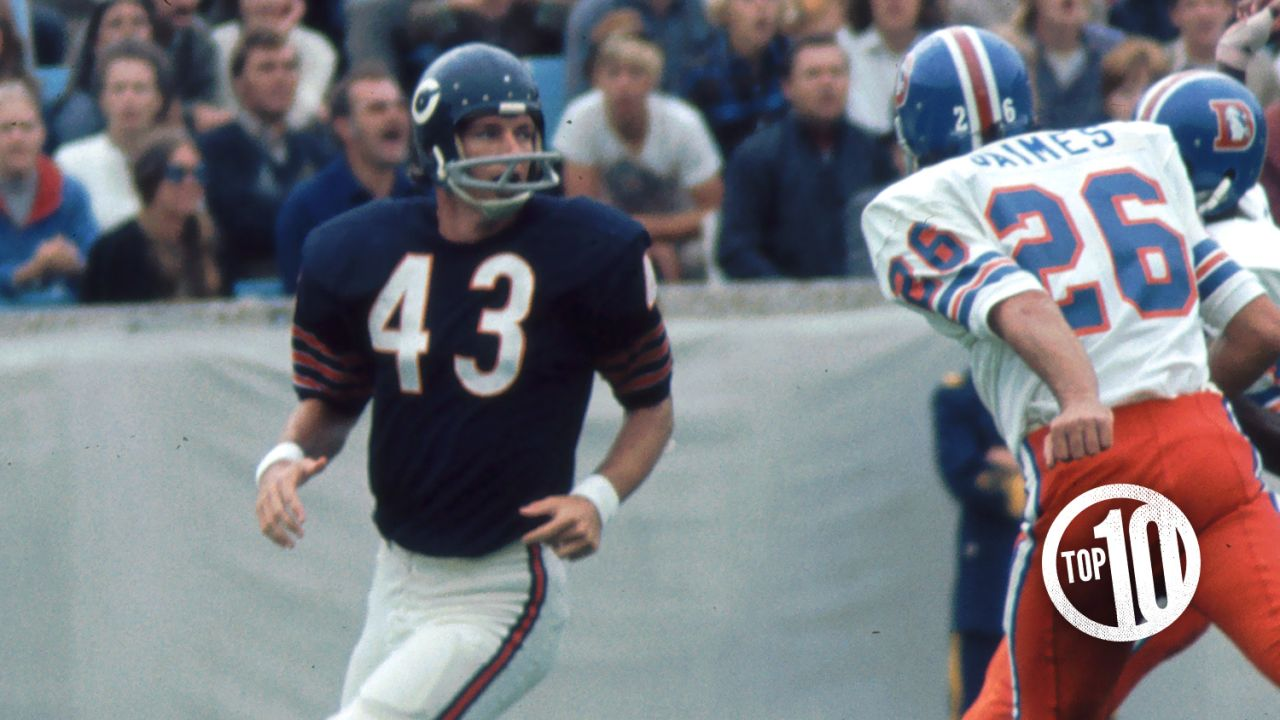 (10) George Farmer, receiver (1970)  Farmer played six seasons with the Bears, catching 113 passes for 1,909 yards and 10 TDs. His most productive year was 1971 when he led the team with 46 receptions.