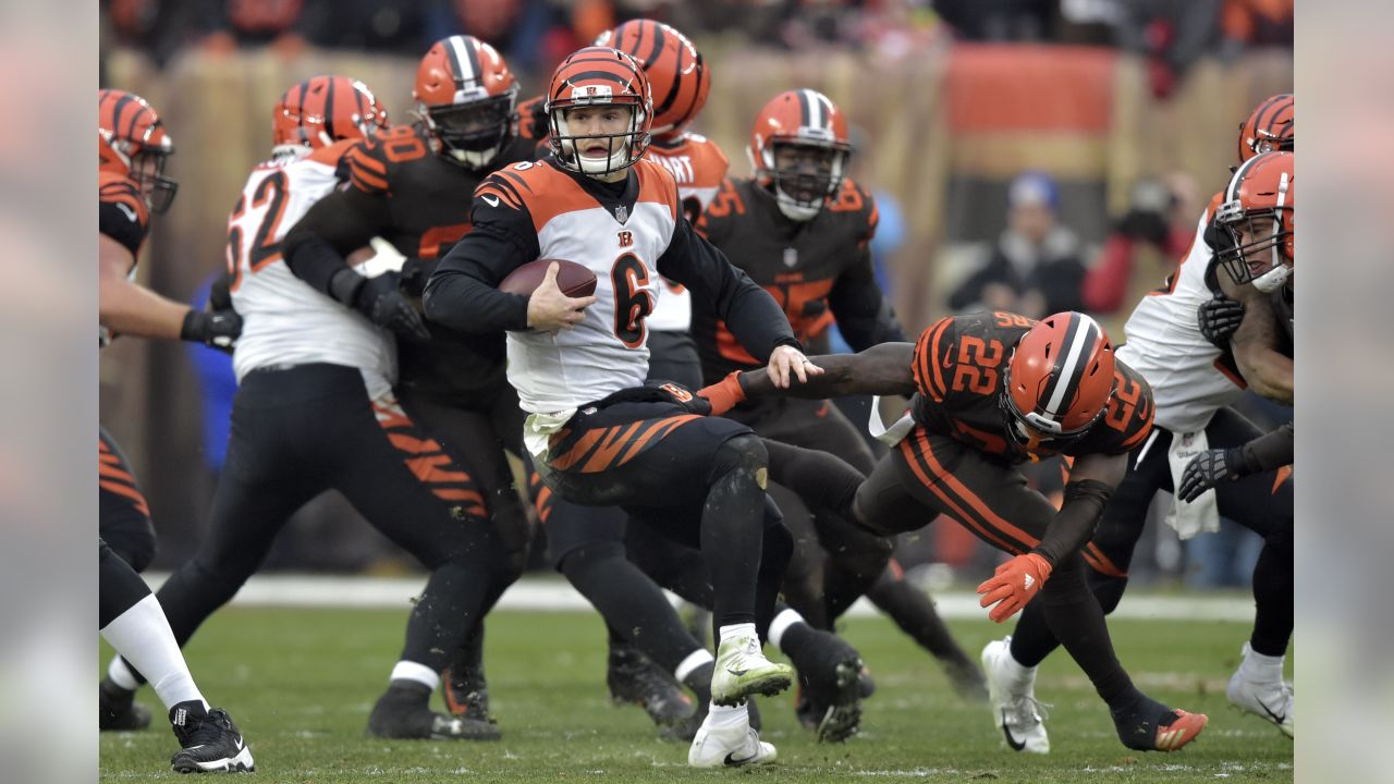 Cincinnati Bengals quarterback Jeff Driskel (6) scrambles during the second half of an NFL football game against the Cleveland Browns, Sunday, Dec. 23, 2018, in Cleveland. (AP Photo/David Richard)
