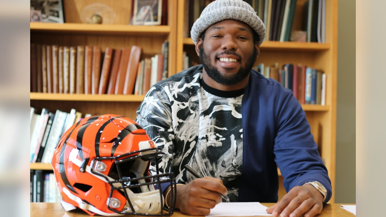 Bobby Hart officially re-signs with the Bengals. He secured a three-year contract with the team.