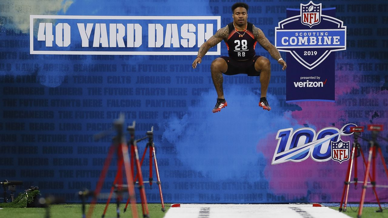 Texas A&M running back Trayveon Williams runs the 40-yard dash during the NFL football scouting combine on Friday, March 1, 2019 in Indianapolis. (Aaron M. Sprecher via AP)