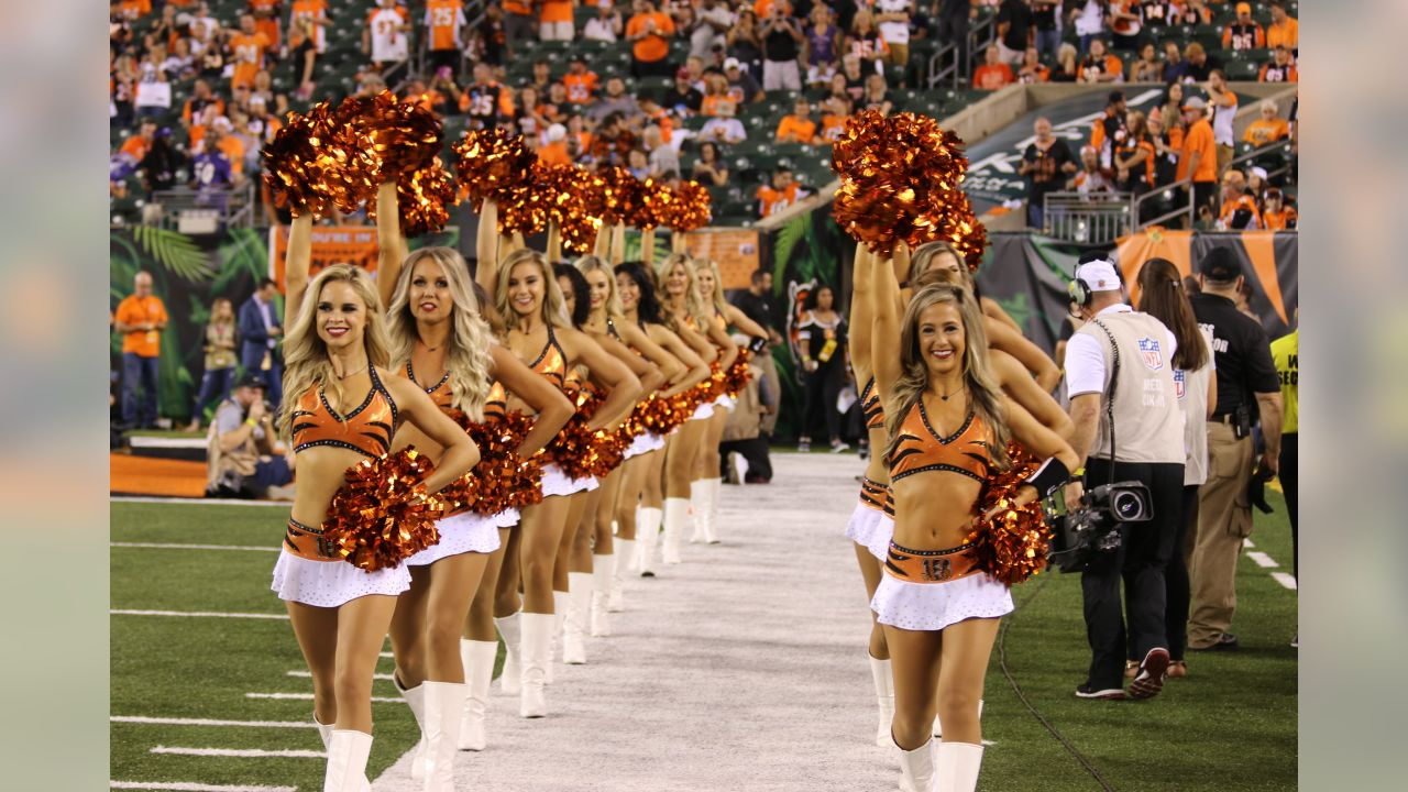 Ben-Gals Cheerleaders