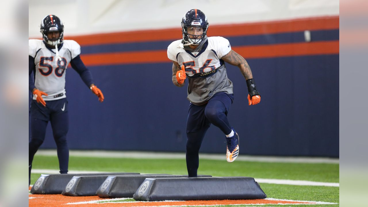 Shane Ray during practice in the Pat Bowlen Fieldhouse at UCHealth Training Center on November 7, 2018.