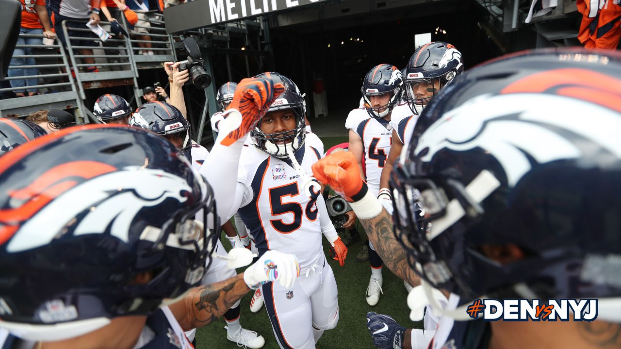 Von Miller gives a pep talk to defensive players before the NFL game against the New York Jets at MetLife Stadium in East Rutherford, New Jersey, October 07, 2018.