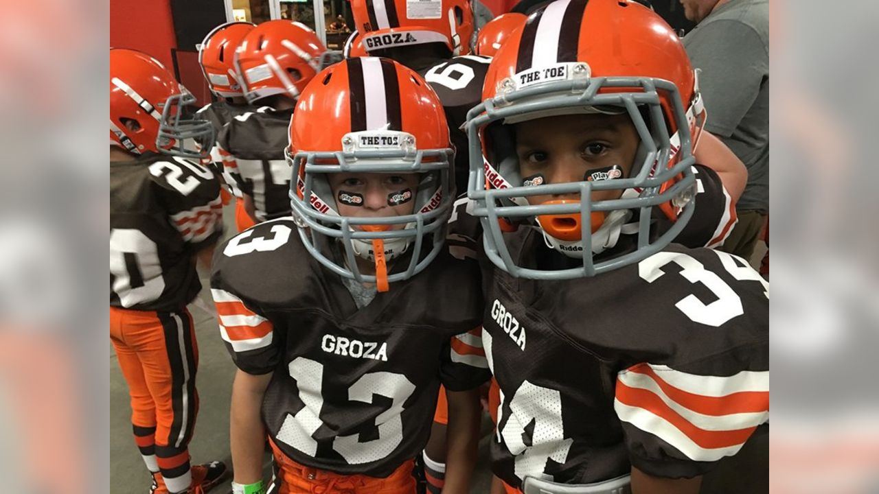 Browns celebrate the 3rd anniversary of First and Ten a movement which helped inspire nearly 1.5 million hours of volunteering by the Browns and Browns fans to impact communities globally. Visit @BrownsGiveBack to take the pledge, #give10 hours and help your community.